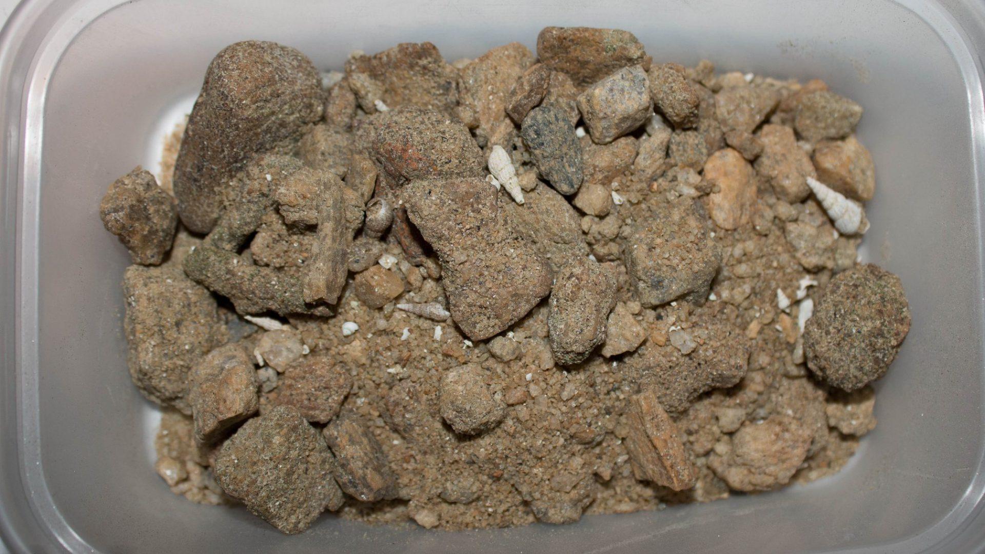 Písek z oblasti Mbowe